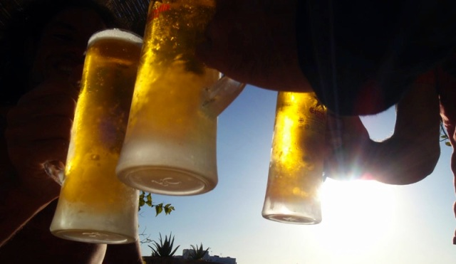 3-amigos-beer-cheers